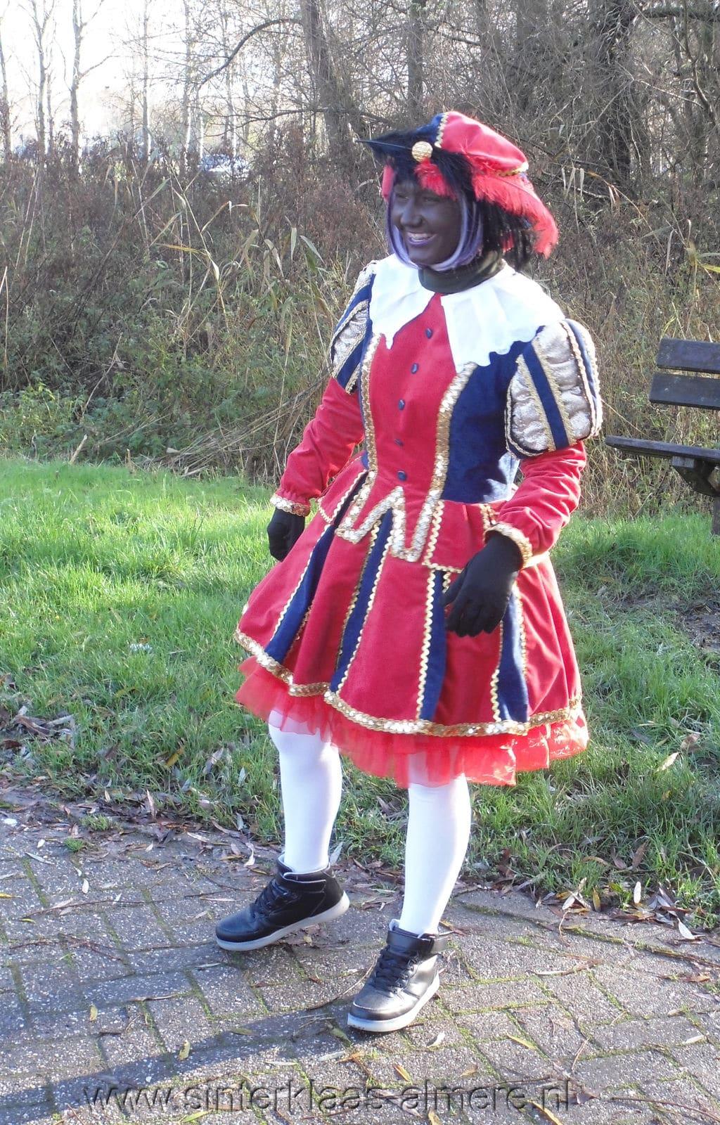 Piet in Almere Bloemenbuurt