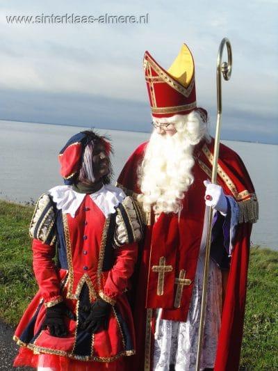 Sint op stap met Piet in Almere